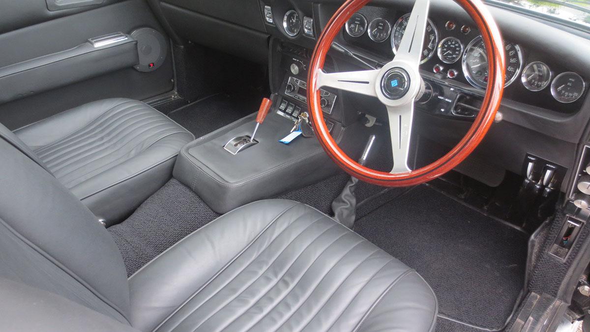 1971 aston martin DBS interior