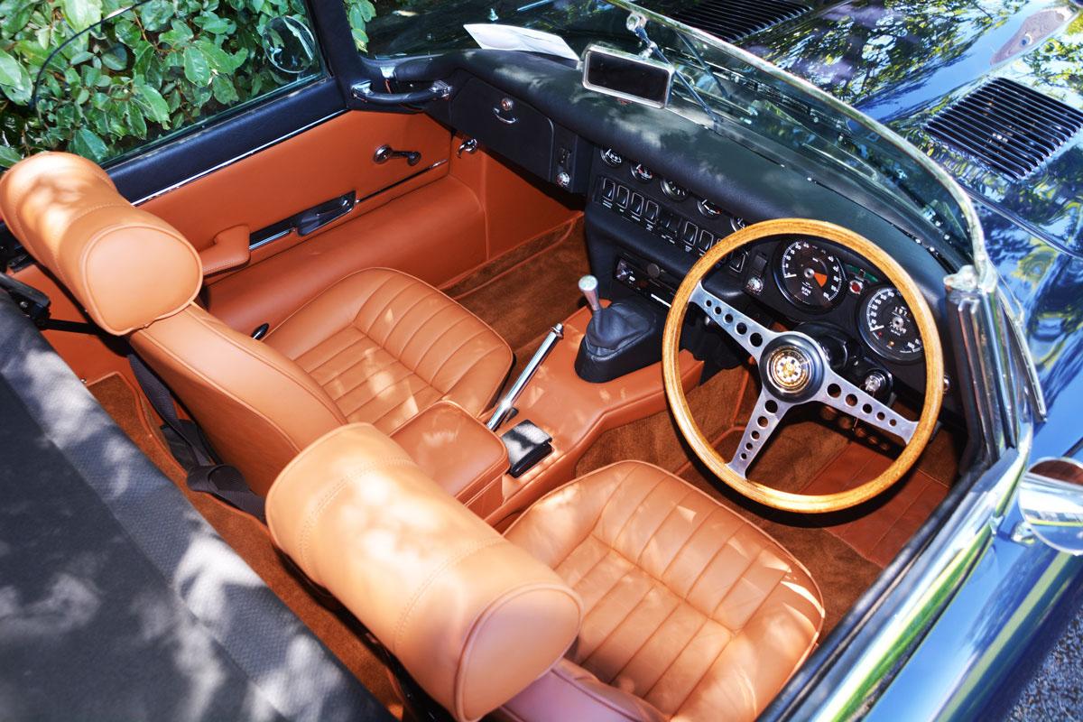 1969 jaguar e-type interior