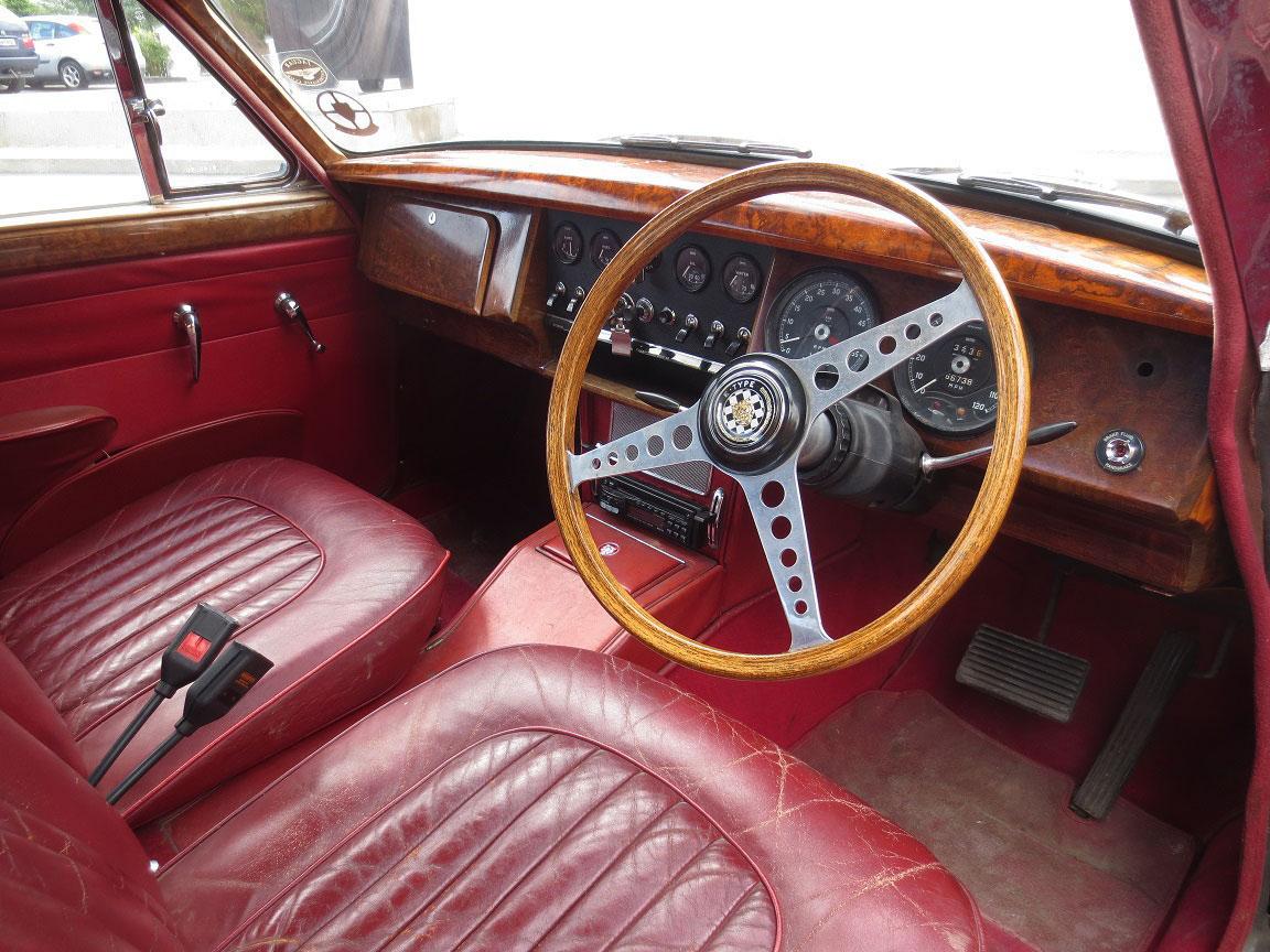 JAGUAR MK II 3.8 1961 interior
